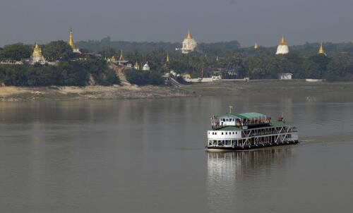 Between-Mandalay-Bagan_1
