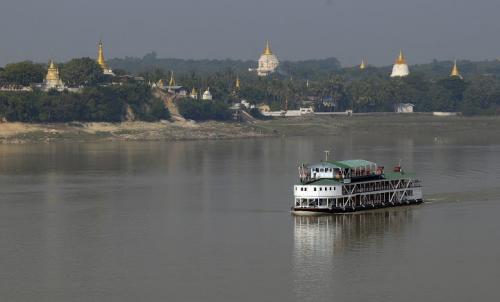 Between-Mandalay-Bagan_1