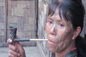 Chin-Frau bei Mindet